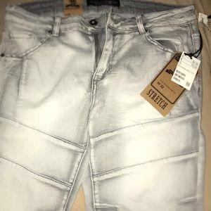Men's grey washed shorts
